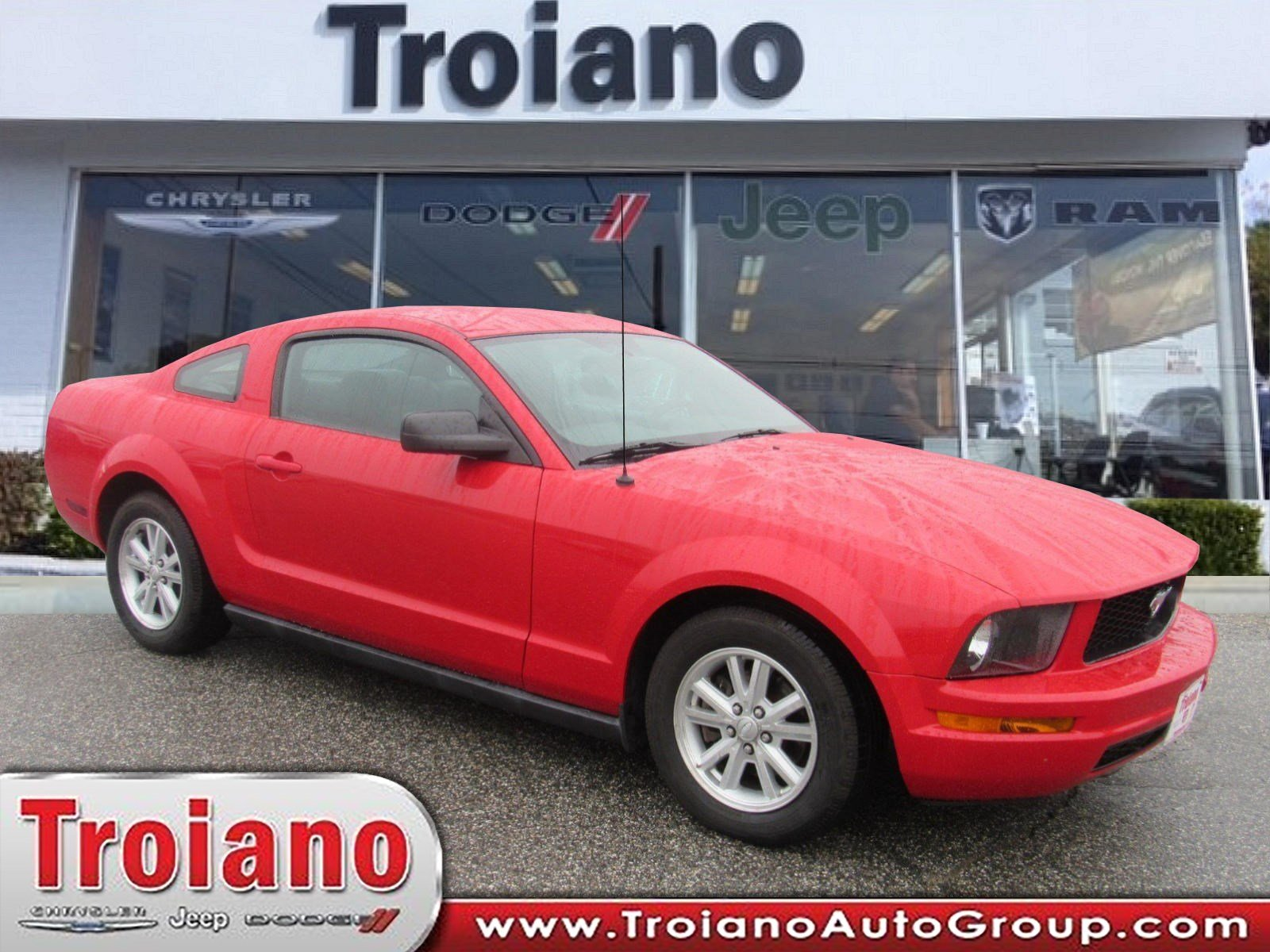 Pre owned 2007 ford mustang deluxe
