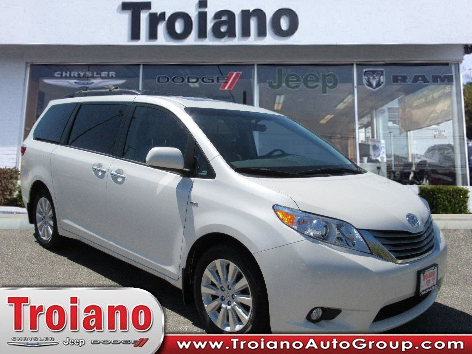 Pre Owned 2016 Toyota Sienna Xle
