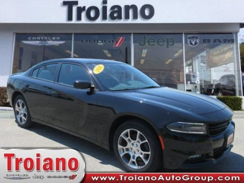 CERTIFIED PRE-OWNED 2016 DODGE CHARGER SXT WITH NAVIGATION & AWD