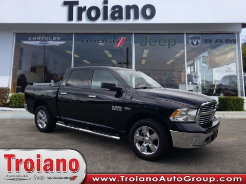 CERTIFIED PRE-OWNED 2016 RAM 1500 BIG HORN WITH NAVIGATION & 4WD
